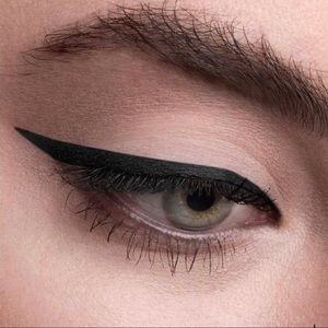2355 hourglass 1.5 MM gel eyeliner obsidian(black)